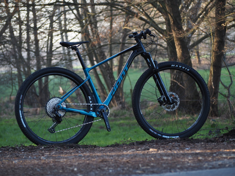 Giant - XtC Advanced 2   mountainbike